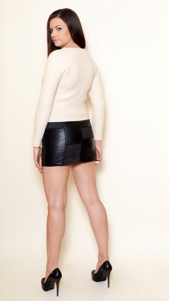 40% Off Xmas Sale Valentino Sweater 90's by SixVintageChicks