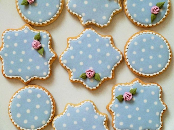 Best 25+ Royal icing cookies ideas on Pinterest | Wilton royal ...
