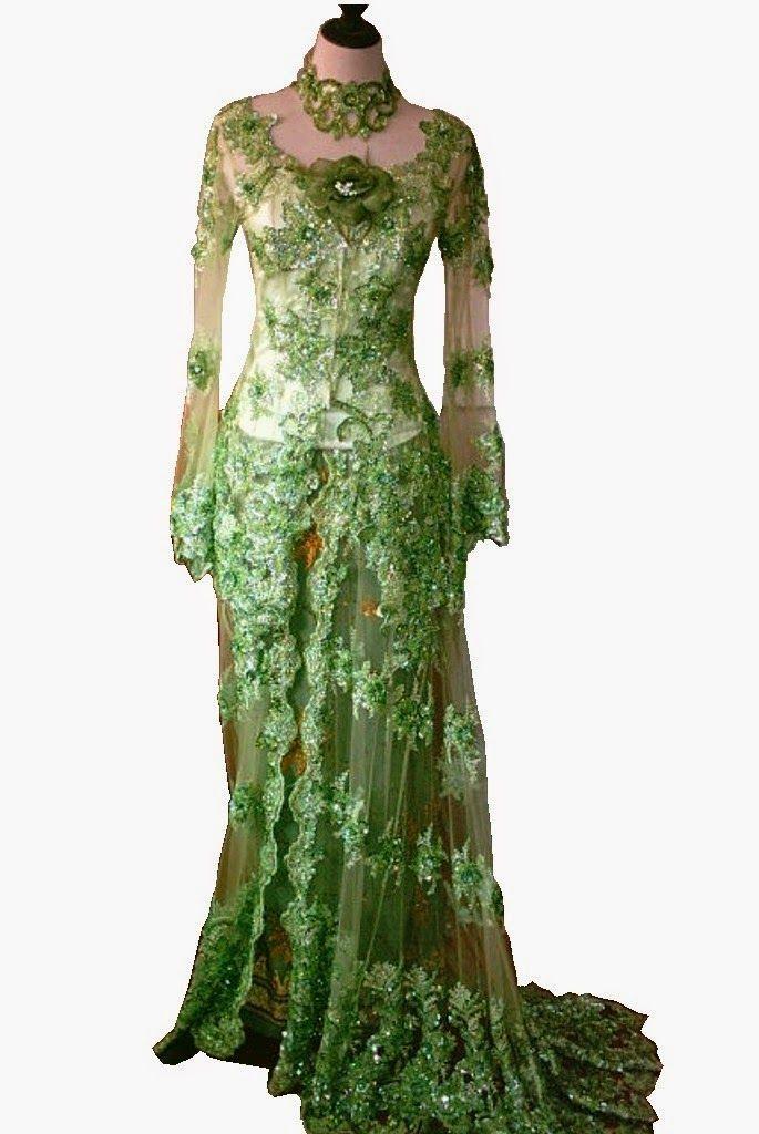 Model Kebaya sebagai busana tradisional Indonesia mampu menggambarkan postur tubuh wanita dengan sempurna dan penampilan yang elegan. Seirin...