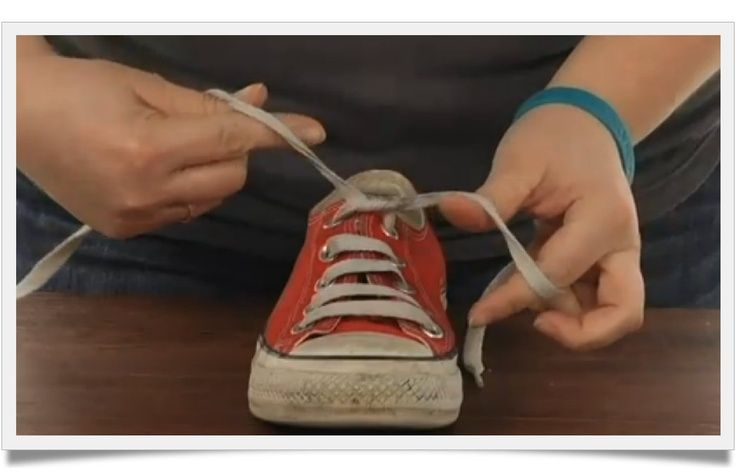Teach your child to tie their shoes on 5 minutes. Video included