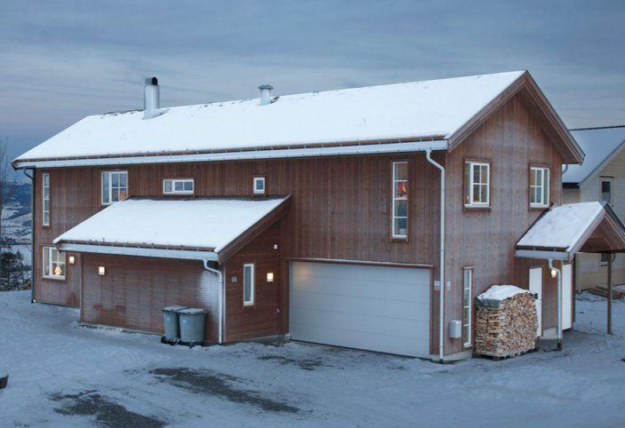 Referanser   Norgeshus.  Kataloghuset Nupen (revidert) bygd av Norgeshus Gauldal Bygg på Melhus, Sør-Trøndelag.