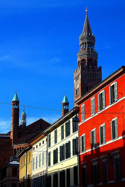Vista del Torrazzo da Via XX Settembre - Cremona, Italia