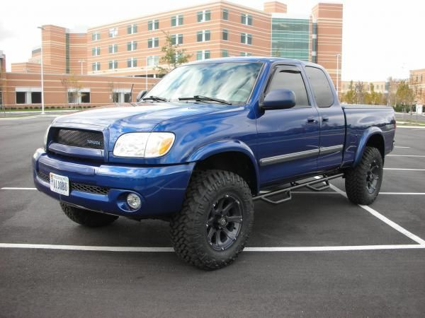 2005 Toyota Tundra AccessCab. Custom Waltrip grille, lift and wheels.