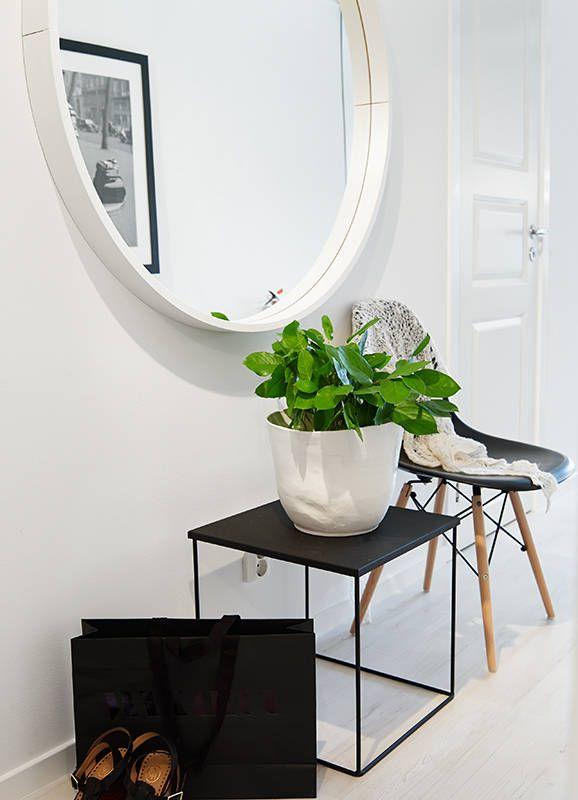 17 beste idee n over hal spiegel op pinterest ingangs plank kleine ingang en kleine gangen for Hal ingang