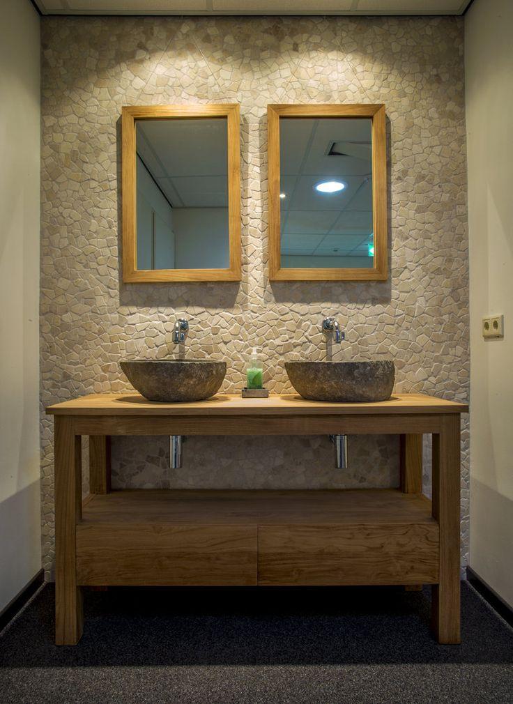 25 beste idee n over kiezel tegels op pinterest beige kamer en kiezel douchevloer - Kamer van mozaiekwater ...