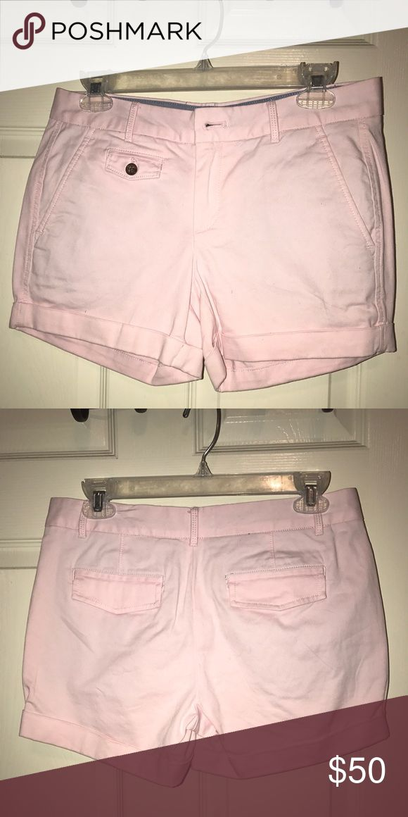 """Banana republic light pink shorts Really nice light pink banana republic shorts. I call them """"formal"""" shorts. They are 98% cotton and 2% spandex to give them a really good extra stretch. Perfect for going out to eat, shopping and even golfing. Banana Republic Shorts Jean Shorts"""