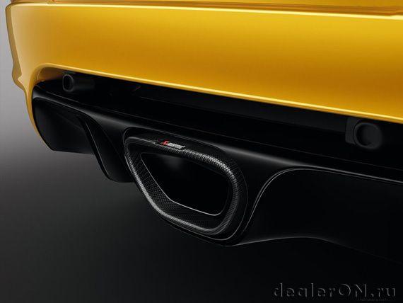 Выхлопная труба производительного Рено Меган RS 275 Трофи 2015 / Renault Megane RS 275 Trophy 2015