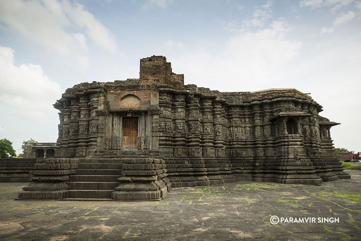 Daitya Sudan Temple at Lonar, Maharashtra, built in the classic Hemadpanthi style during the reign of the Chalukya Dynasty.