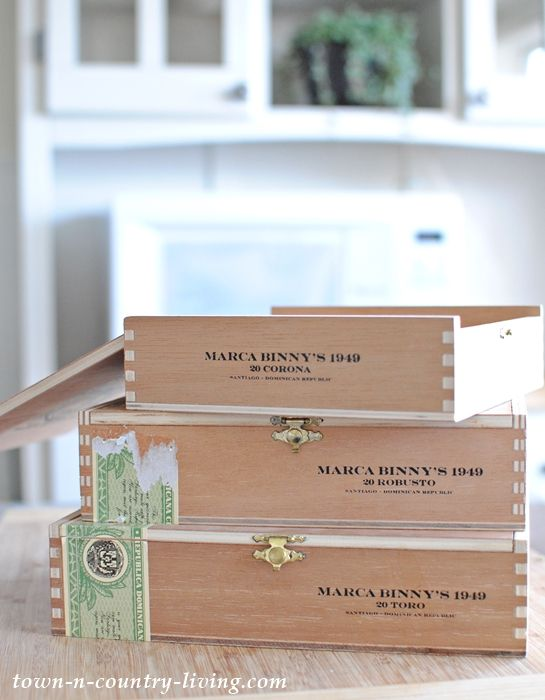 Empty cigar boxes for crafting