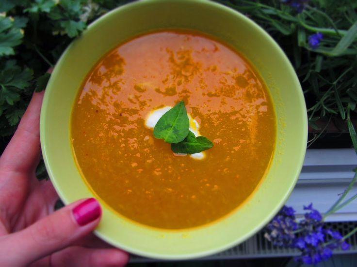 Ina Is(s)t: Orangen-Ingwersuppe auf Möhrenbasis