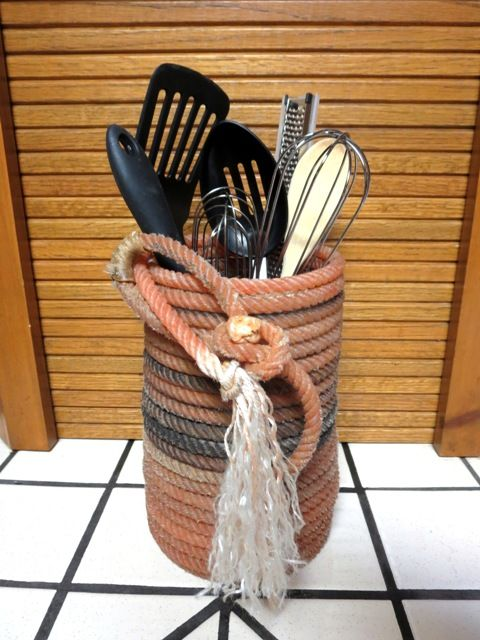 Lariat Utensil Holder