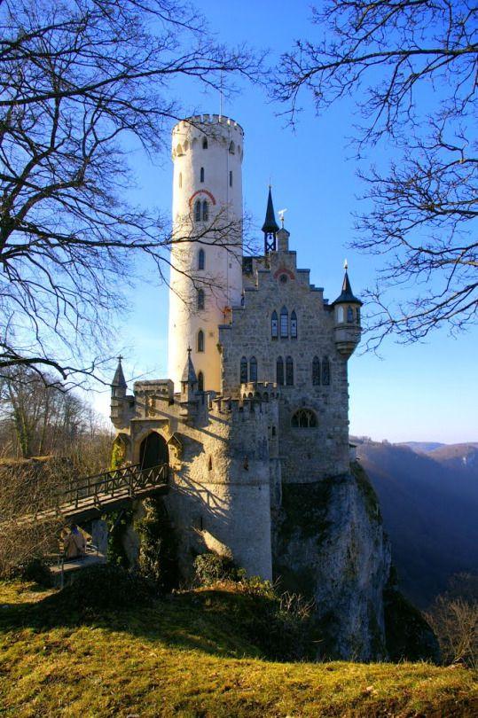 Schloss Lichtenstein / Germany (by Reto Borner).