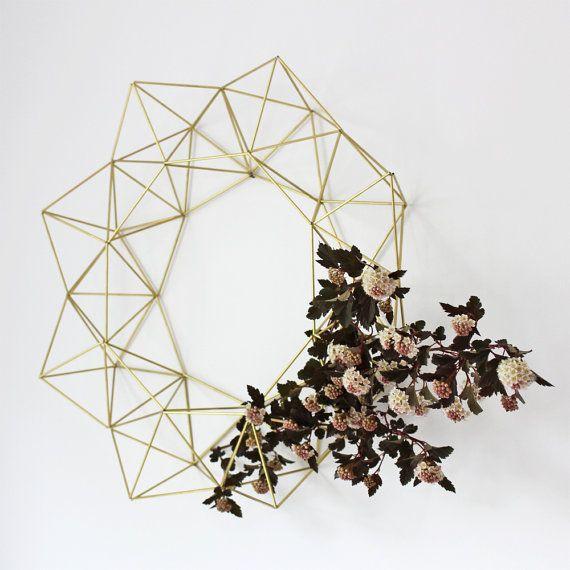Large Brass Himmeli Wreath / Modern Geometric Wall by HRUSKAA