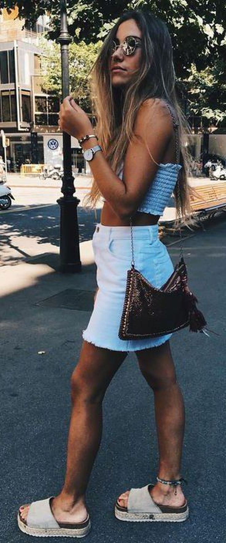 Awesome 45 Trendy Teen Fashion 2018 Ideas For Spring. More at https://trendfashionist.com/2018/03/04/45-trendy-teen-fashion-2018-ideas-spring/