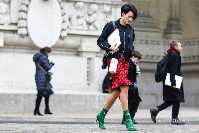 Уличная мода: Второй день недели моды в Париже: уличный стиль