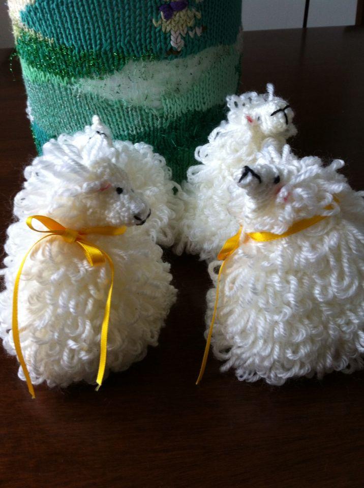 Pecorella uncinetto per Pasqua