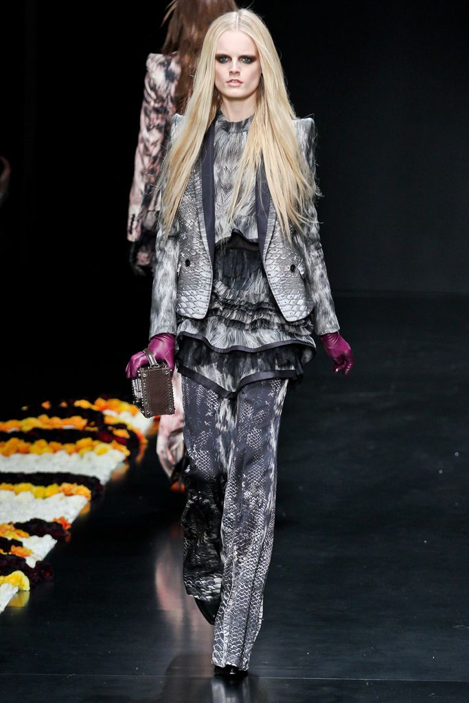 the coach Roberto Cavalli Fall   Ready to Wear  Collection  Gallery  Style com