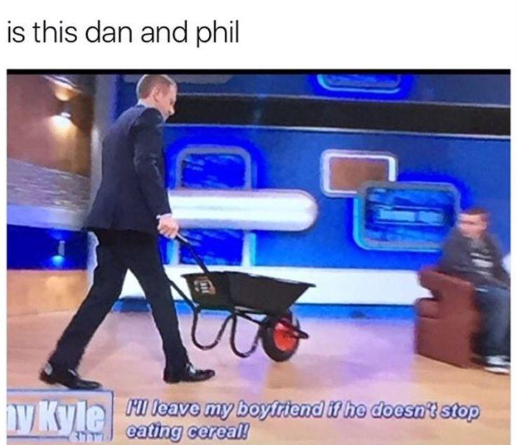 - ̗̀ @artsyautumn ̖́- >>> it's literally dan and phil