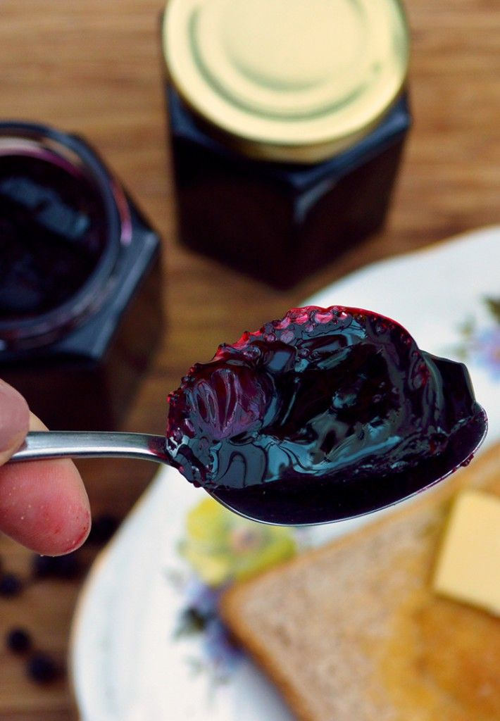 Sweet Elderberry Jelly recipe - ingredients: elderberries, lemon juice, sugar, pectin. Makes an excellent preserve that can be served in both sweet and savory dishes. Or just on toast if you prefer!