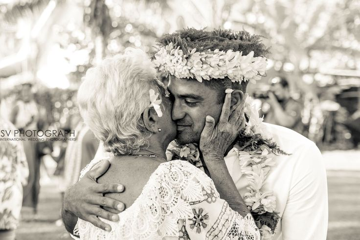 Wedding in Tahiti, the groom and family. http://www.svphotograph.com @svphotograph #svphotograph #weddingphotographers #fearlessphotographers #yourockphotographers #blackandwhite #weddingday #tahitiphotographer #photooftheday #instawedding