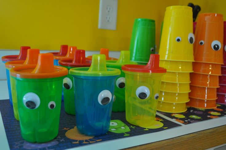 Love the toddler sippy cup idea!