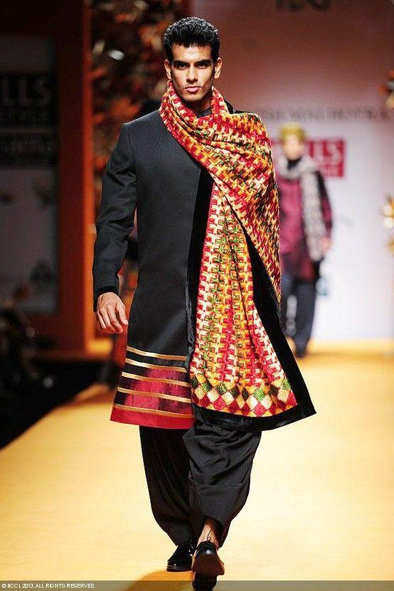Phulkari collection by Manish Malhotra at WIFW #fashion #celebrity #phulkari