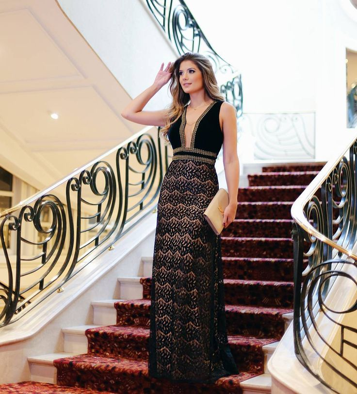 """795 curtidas, 17 comentários - Cappuccino Fashion (@cappuccinofashion) no Instagram: """"@arianecanovas deusa com nosso longo de renda com veludo!!"""""""