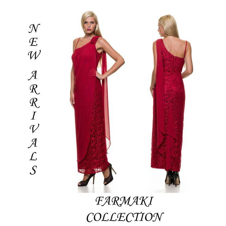 Φόρεμα μακρύ, ίσια γραμμή, όλο δαντέλα, ριχτή μουσελίνα εμπρός. Ύφασμα δαντέλα με μουσελίνα.