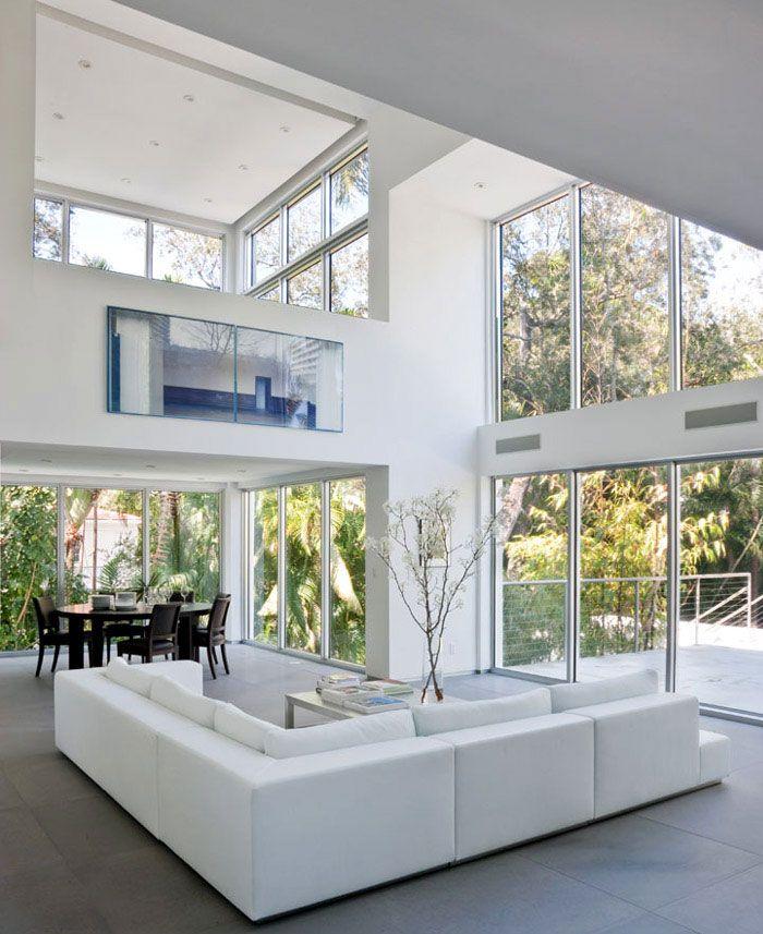 Aktualisiertes modernes Interieur | Maison comptemporaine ...