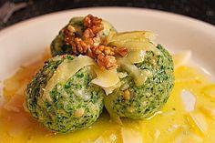 Spinatknödel mit Parmesan & zerlassener Butter