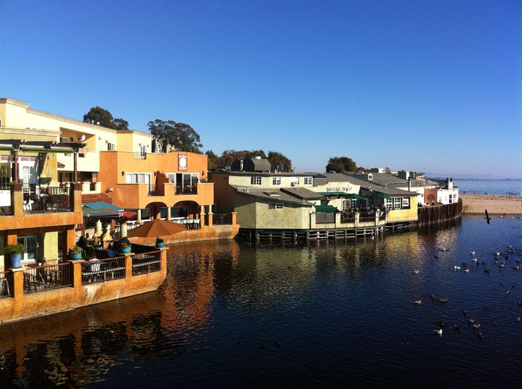 Explore The Beachside Community Of Capitola By Sea Beach
