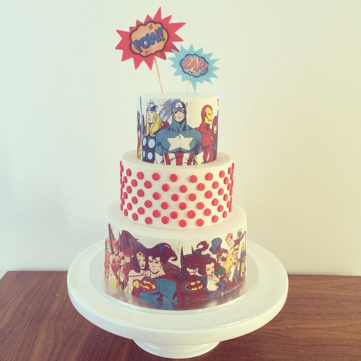 Avengers vs Justice League cake