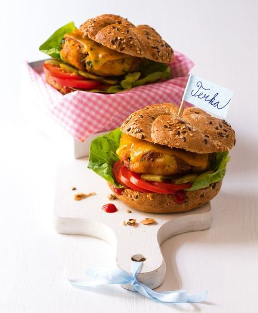Tuňákové Burgery (www.albert.cz/recepty)