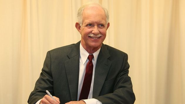 How Does Captain 'Sully' Sullenberger Fly?