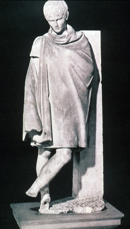 """Athlete During the reign of Augustus""  Roman Imperial  robe, cloak, the lacerna fastened at the right shoulder, underneath is a short tunic."