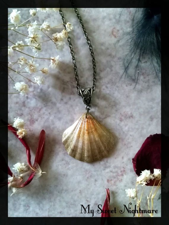 Collana con conchiglia dorata dipinta a mano collana sirena