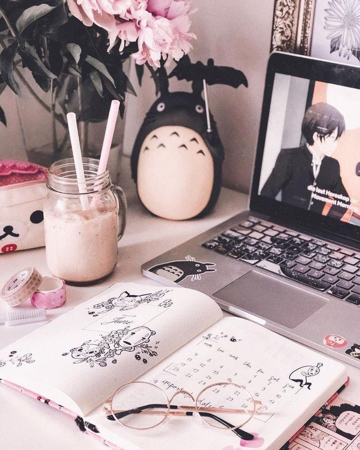 otaku aesthetic bedroom desk study teens kawaii bien decoracao living tik tok quarto studio uwu mis fanart dicas bedrooms hello