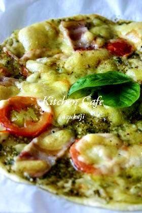 楽天が運営する楽天レシピ。ユーザーさんが投稿した「バジルソースのクリスピーピザ 」のレシピページです。バジルソースのパリパリ、クリスピーピザ!もちろん他のソースでも!。バジルソースのクリスピーピザ 。■ 生地 ,強力粉 ,片栗粉 ,塩 ,水 ,■ ソース ,バジルソース,■ トッピング ,ベーコン ,ピザ用チーズ