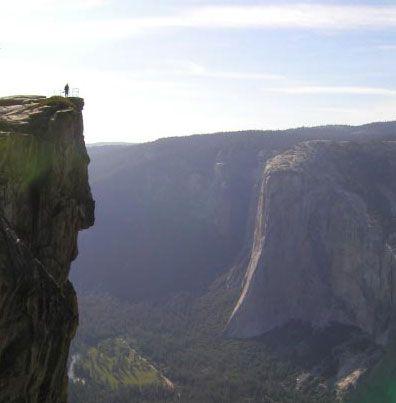 Taft Point overlooking El Capitan - Yosemite