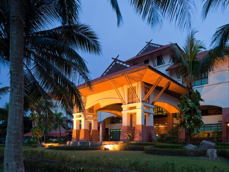 Official site of Holiday Inn Resort Batam - with pools, family-friendly activities and in-house entertainment. Best Price Guarantee.