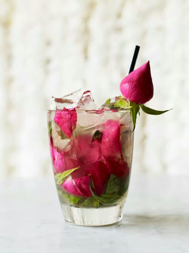 Rose and mint cocktail #looksdelicious