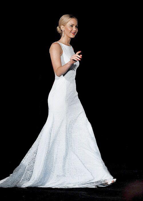 11/12/15 - Jennifer Lawrence at The Hunger Games Mockingjay Part 2 Premiere in Beijing.