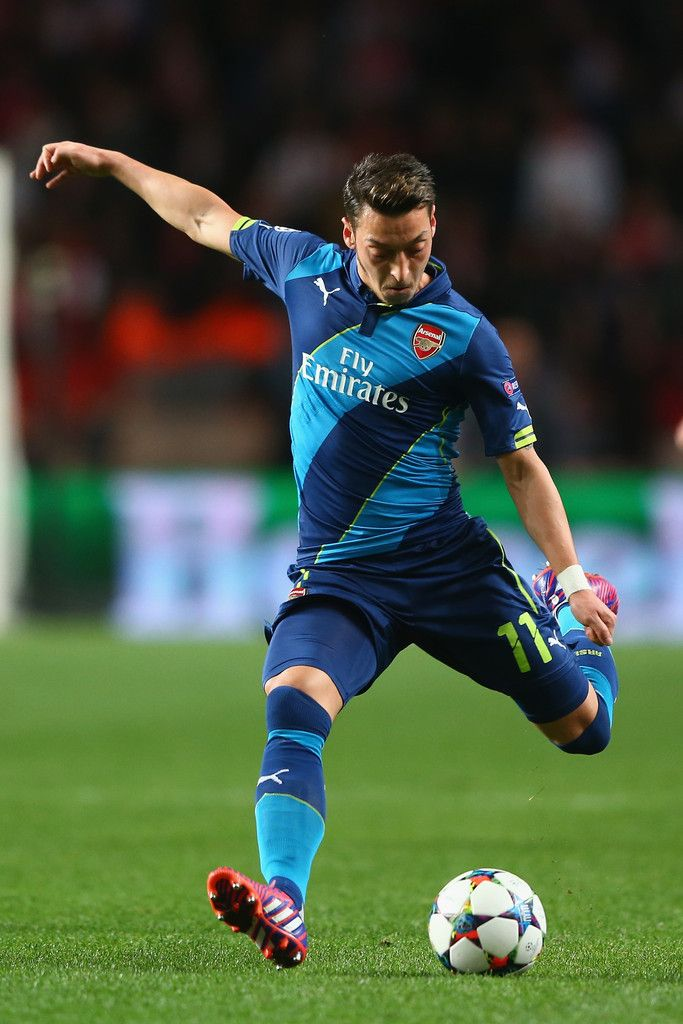 Mesut Ozil Photos: AS Monaco v Arsenal