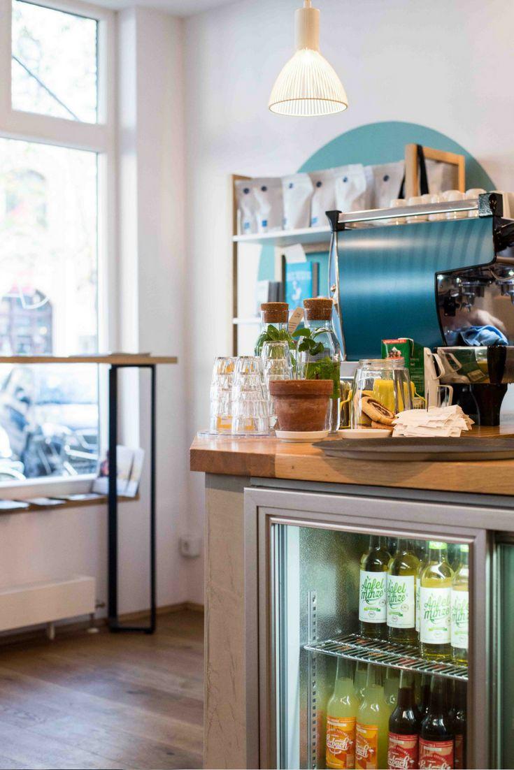 Das Café Bla´in München serviert leckeren Kaffee, hausgemachten Kuchen und frische Waffeln.