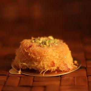 من الحلويات العربية المفضلة عند الجميع باختلاف حشواتها الكنافة تطبيق طبخي طبخي حلويات حلى وصفات طبختي أطباق Recipes Food Cheese