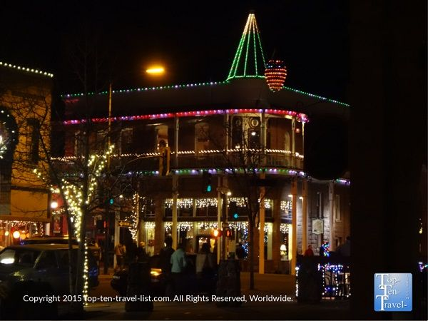 The Weatherford Hotel in downtown #Flagstaff, Arizona all decked out for #Christmas. Each year on New Year's Eve a giant pine cone is lowered from the hotel.