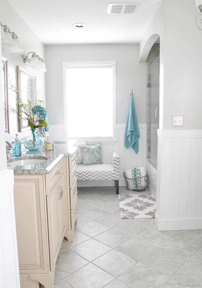 Gorgeous bathroom makeover. Dramatic before and after. Love the touches of blue.