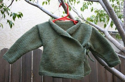 Free knitting pattern for Baby Yoda sweater and more Star Wars knitting patterns
