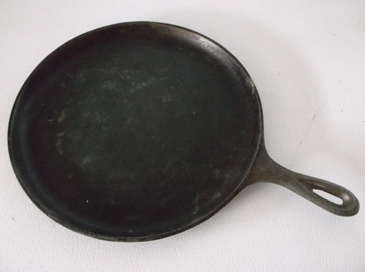 Vintage Lodge Cast Iron Griddle (25.00 USD) by MonasChickenRanch