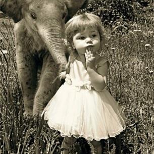 I love elephants!: Little Girls, Sweet, Best Friends, Baby Elephants, Pet, Baby Girls, Vintage Photo, Animal, Kid